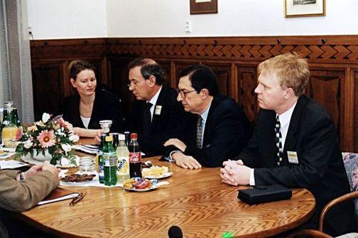 MPO ČR, setkání tvůrců španělského elektroenergetického zákona s nám. ministra, r. 1998